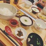 中央食堂・さんぼう - 麦とろろご飯 1200円