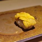 鮨の間 - 料理写真:海胆