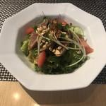 113429287 - ピリ辛鰹のタタキのサラダ