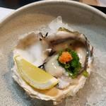 魚屋 けん坊 - 岩牡蠣