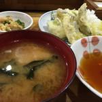 113434196 - ・お昼の定食[太刀魚の天ぷら]