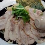 モンキーらーめん  - 特製つけ麺の麺と具