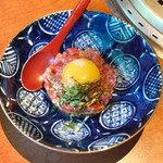 蕃 YORONIKU - 肉に卵を混ぜてブルスケッタ