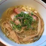 麺や 虎徹 - 虎徹そば 塩味 細麺ストレート