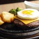 京都ハンバーグ - お肉の味は本物でした、石焼で迫力のあるメニュー!