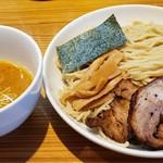 麺屋 武吉 - こってりつけ麺  大盛り  特製トッピング