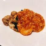 113459412 - エビ・イカ・ホタテのチリソース~食感も賑やかな揚げ野菜を添えて