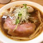 麺工房 やびな - 料理写真:醤油ワンタンsoba+味玉