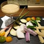 ニユートーキヨービヤホール - 新鮮野菜のバーニャカウダ  ヤングコーン美味しい!