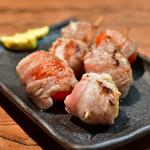 和来路 - トマト豚巻串焼(2串)@420円