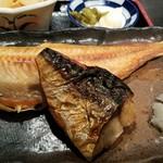魚と旬の料理 まる - ほっけは