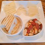 ダ・オッジ - 今月のイタリアチーズ 3種盛 1000円