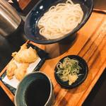 インディゴ - 釜あげ    トッピング:とり天と卵天ぷら