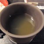 浩太郎丸 - ドリンクバーで頂いた熱い緑茶