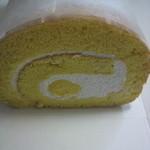 プチシュクル - カスタード入りのロールケーキ