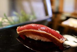 金寿司 - まぐろ漬け