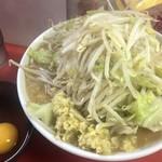 113484802 - 小豚ラーメン+生卵+生姜 ¥790+50+50