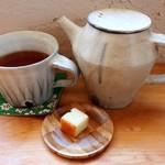 森のお菓子屋 スピカ - 和紅茶(HOT)