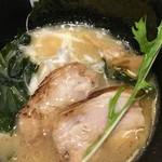 ビショック - 豚骨ラーメン750円