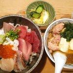 大衆割烹 三州屋 - 海鮮丼 鳥豆腐