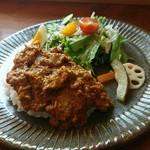 ヒキカフェ - 料理写真:スパイシーカレー
