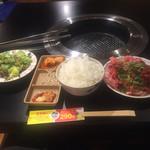鶴橋ホルモン本舗 - お料理