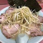 ラーメンショップ - 料理写真:塩ねぎチャーシュー麺