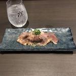 個室居酒屋 穏座 - A5黒毛和牛サーロイン炙り寿司。       美味し。
