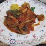 木こり亭 - 鶏もも肉のトマトソース煮
