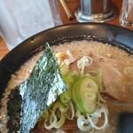 川出拉麺店 - 海苔が旨い!さすが実家が海苔屋さん。