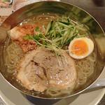 雷神ラーメン - 盛岡冷麺 税込880円