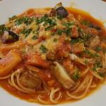 ビストロ ル カノン - ベーコンと茄子、カブのトマトソース
