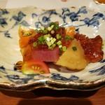 113518699 - お通し〜お出汁で煮た根菜、ポン酢ジュレ〜