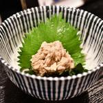 日本酒商店 YODARE - ズワイガニ カニ味噌和え@490円