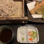 juuwarisobajirou - 天ぷら付き牡丹そば