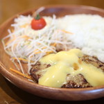 ハンバーグレストラン ベル - チーズバーグディッシュ。150g。(モーニング)
