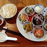 113535093 - アジアンテイストな香りが本格的なジャスミンライスや杏仁豆腐付き、10食限定!東方美膳ランチ1,080円