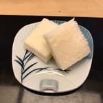113543601 - 付け出し一品目はインカのめざめを使用したポテトサラダが入ったミニサンドイッチ