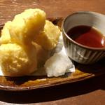 粋なおつまみとお酒 にこ -  とうもろこし豆腐の天ぷら