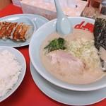 山岡家山形西田店 - 醤油ラーメン 餃子ライスセット