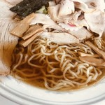 ラーメン そばよし - 麺とスープはこんな感じ