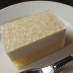 ピーノ - Aコース 1,728円(税込)の、レモンケーキ
