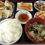 ウェイウェイ餃子 - 料理写真: