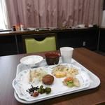 サンステイ加世田 - 料理写真:ブッフェの雰囲気1日目
