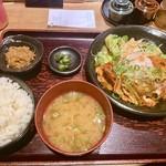 とり元 - 豚キムチ定食