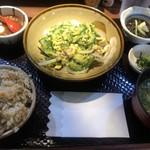 泡盛と沖縄地料理あかはち -