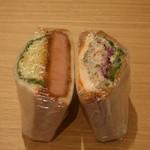 松風SAND&BAR - 極厚切りハムカツ&キャベツ、チキンと根菜サラダ