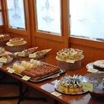 パラディーゾ - 2012年1月 ケーキバイキング ビュッフェ台も品数豊富