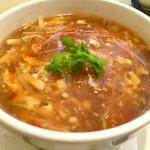 113583819 - 赤い酸辣湯麺