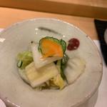 割烹 一楓 - 白菜とキュウリの浅漬け浅漬け大好きなんです。